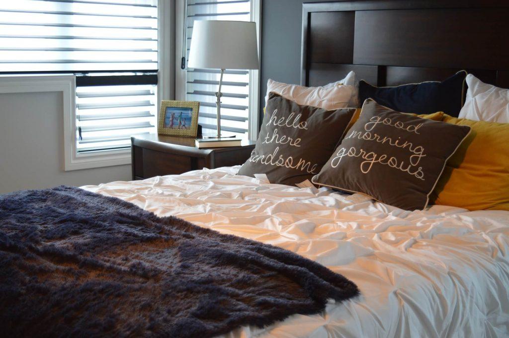 Kussens en deken inspiratie voor de slaapkamer