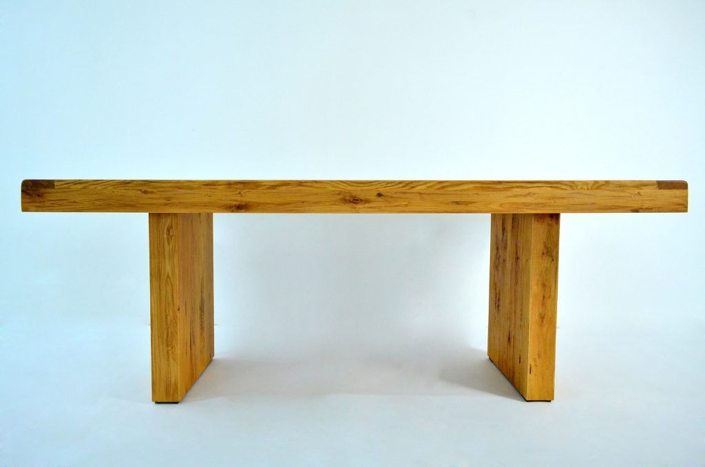 robuuste stoeren meubels van eikenhout